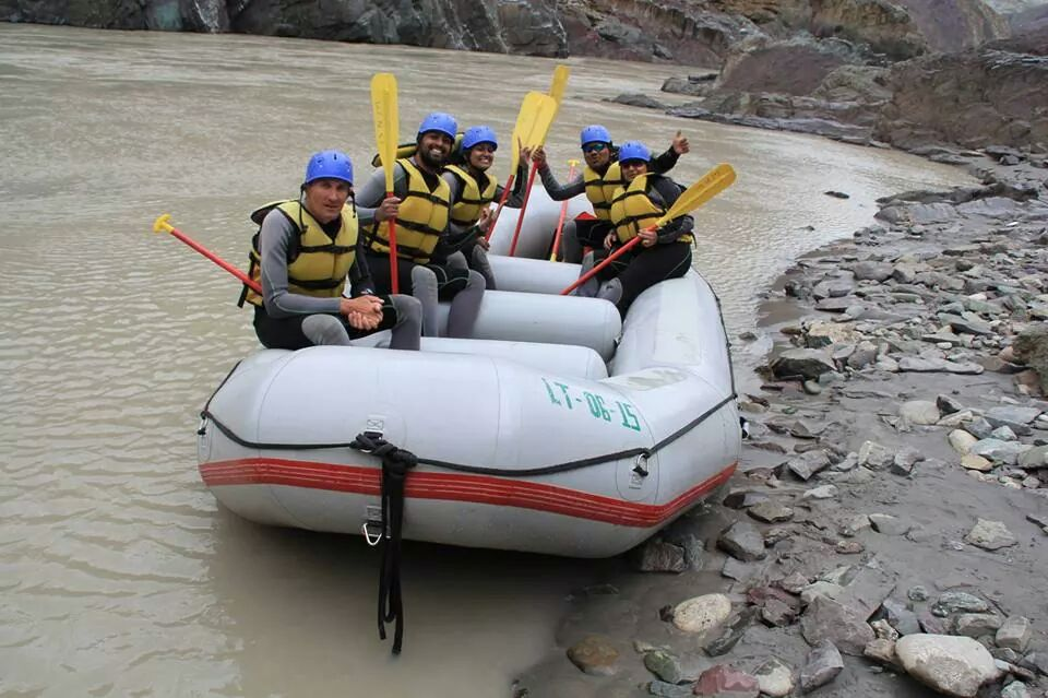 River Rafting at Zanskar at -4 degree C (Brrr)